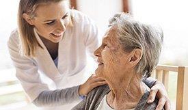 Enfermeira-idosa