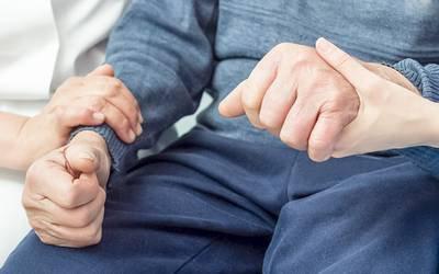 Terapia contra doença intestinal pode reduzir risco de Parkinson
