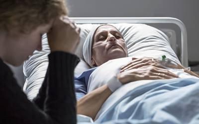 Só metade dos doentes morre no local desejado