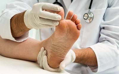 Maioria dos portugueses com mais de 35 anos tem problemas nos pés