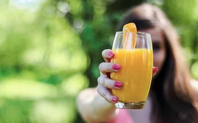 Matriz de nutrientes do sumo de laranja 100% é bastante rica